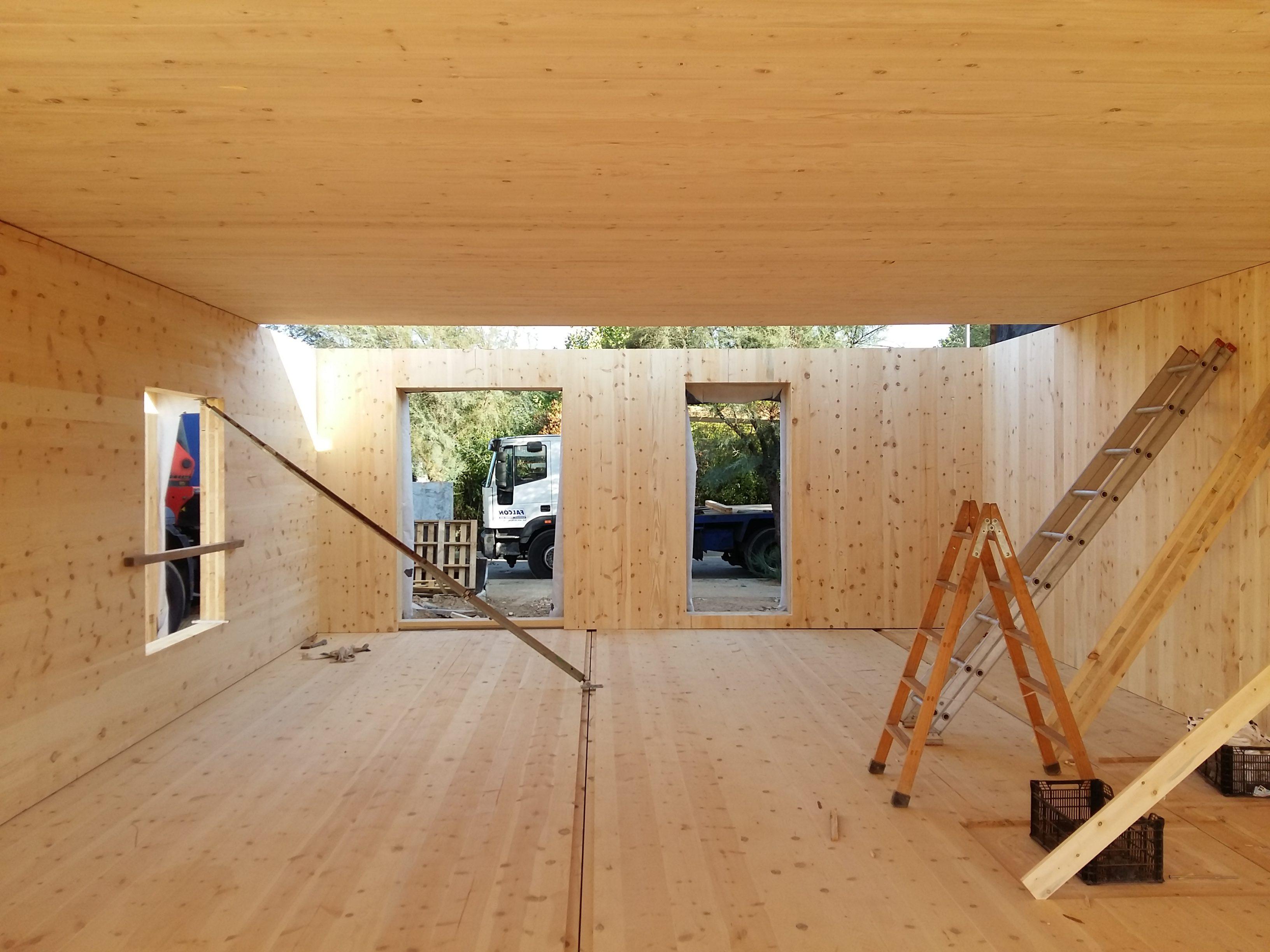 Casa de madera CLT (qué es?, precio €/m2)