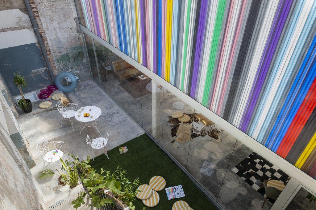 color facade barcelona